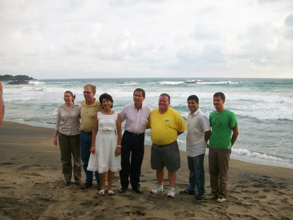 "The delegation on ""La Barrita"" Beach"